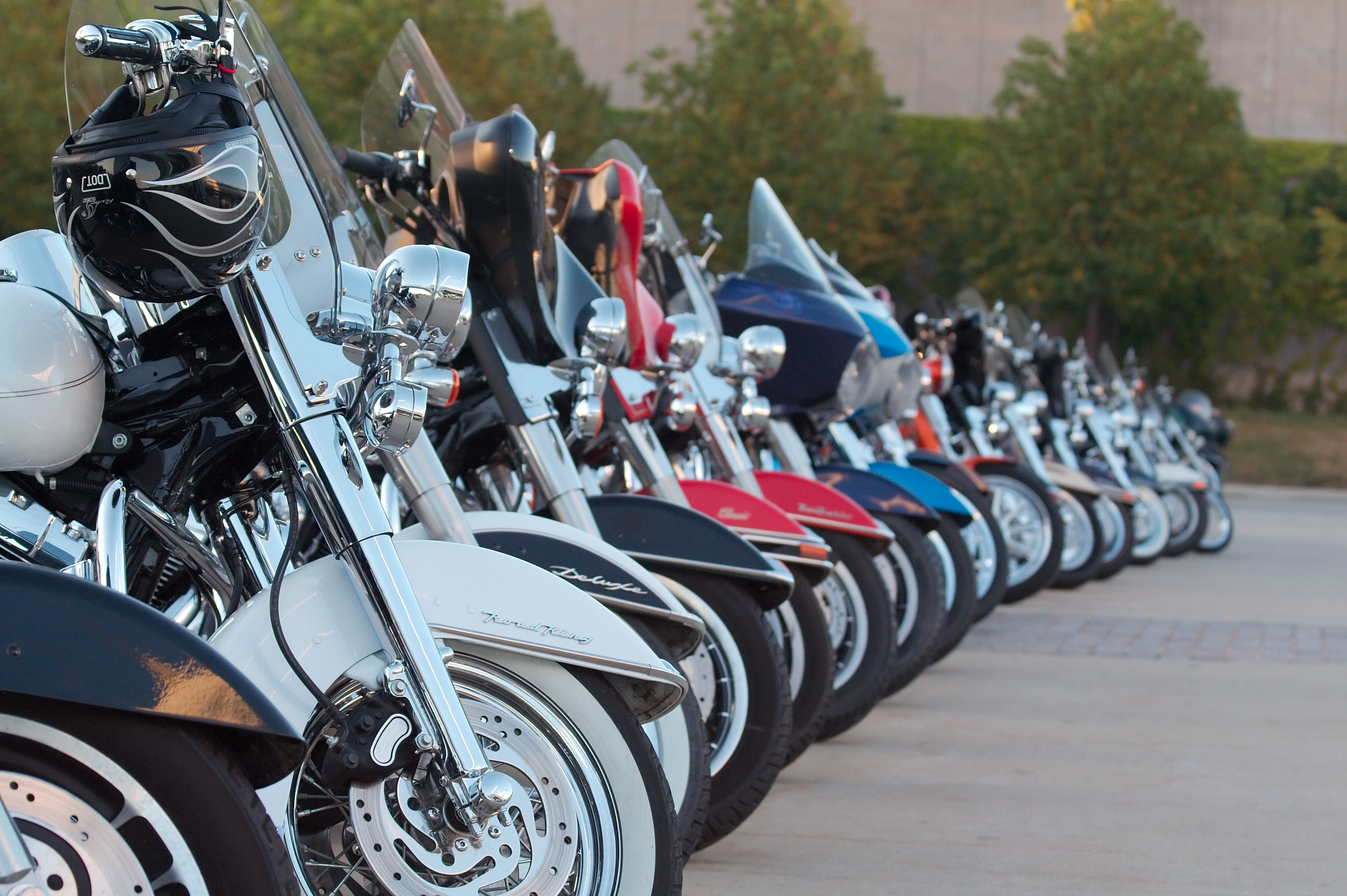 אופנועי חברת שליחויות